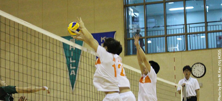 Varsity+boys+volleyball+claims+victory+against+APIS
