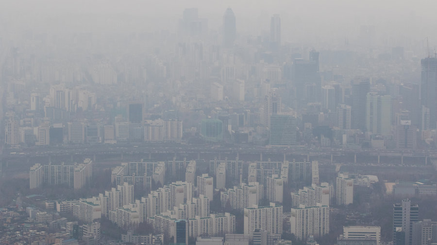 Microparticle levels in Korea overcast record highs