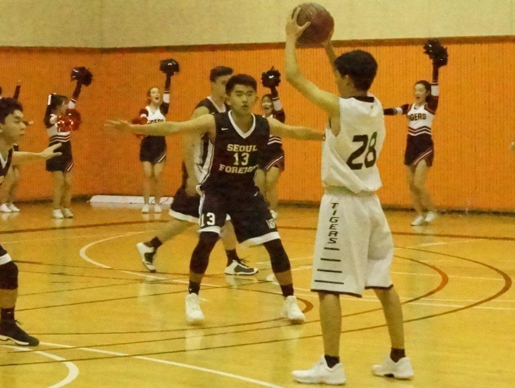 Basketball teams start open gym