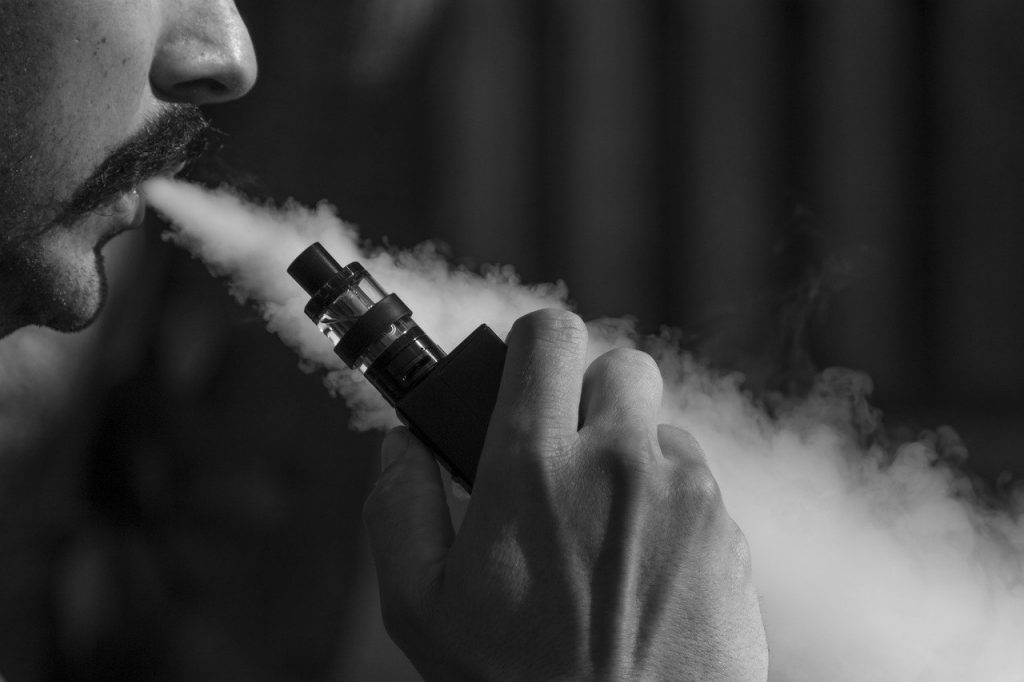 US bans specific flavored cartridges for e-cigarettes