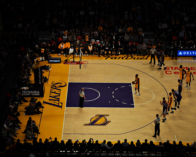 Los Angeles Lakers receives and returns COVID-19 small business loan