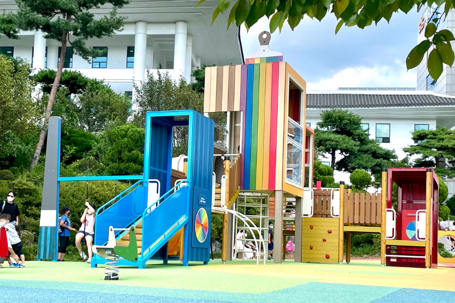 Picture+of+the+renovated+playground