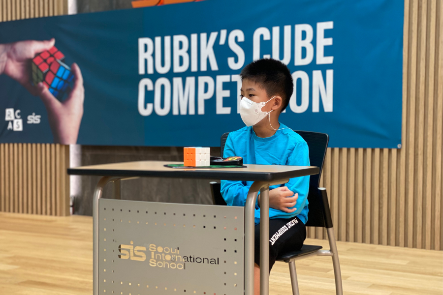 RCAS hosts first annual Rubiks Cube competition